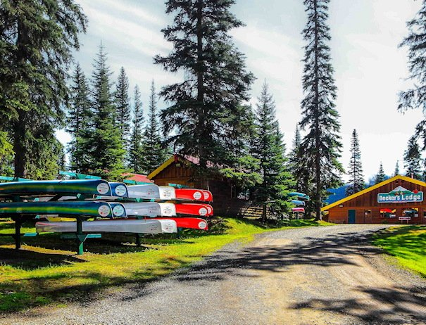 Canoe rentals at Bowron Lake, Becker's Lodge