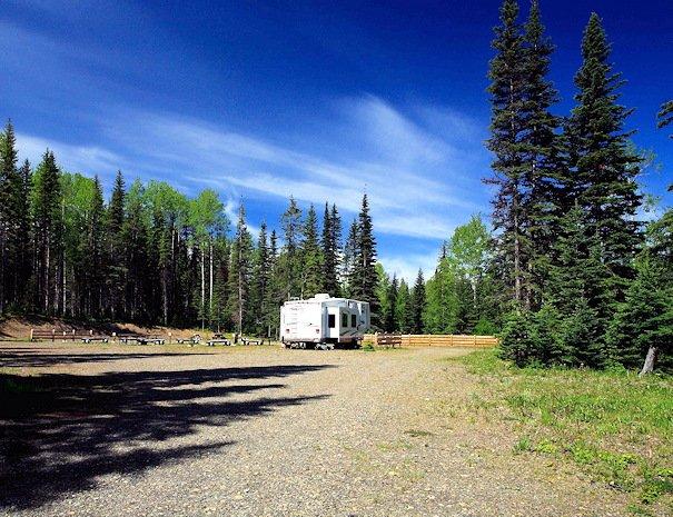 RV Camping at Bowron Lake